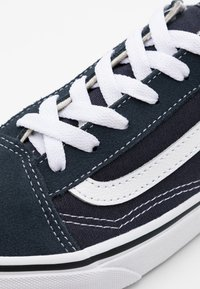 Vans - OLD SKOOL - Sneakers laag - india ink/true white - 5