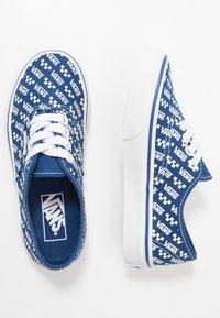 Vans - AUTHENTIC - Sneaker low - true blue/true white - 0