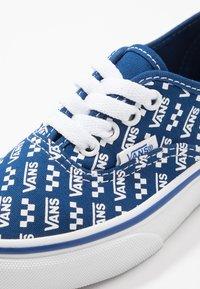 Vans - AUTHENTIC - Sneaker low - true blue/true white - 2