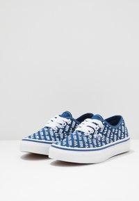 Vans - AUTHENTIC - Sneaker low - true blue/true white - 3