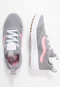 Vans - ULTRARANGE RAPIDWELD - Trainers - frost gray/pink icing - 0