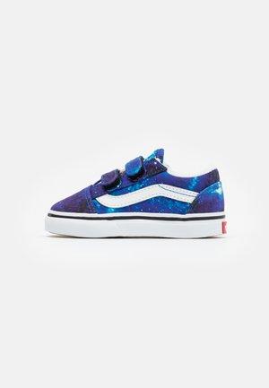 OLD SKOOL - Sneakersy niskie - multicolor/nebulas blue/true white