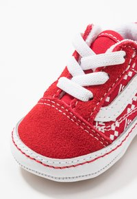 Vans - IN OLD SKOOL CRIB - Regalo per nascita - racing red/true white - 2
