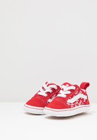 Vans - IN OLD SKOOL CRIB - Regalo per nascita - racing red/true white - 3