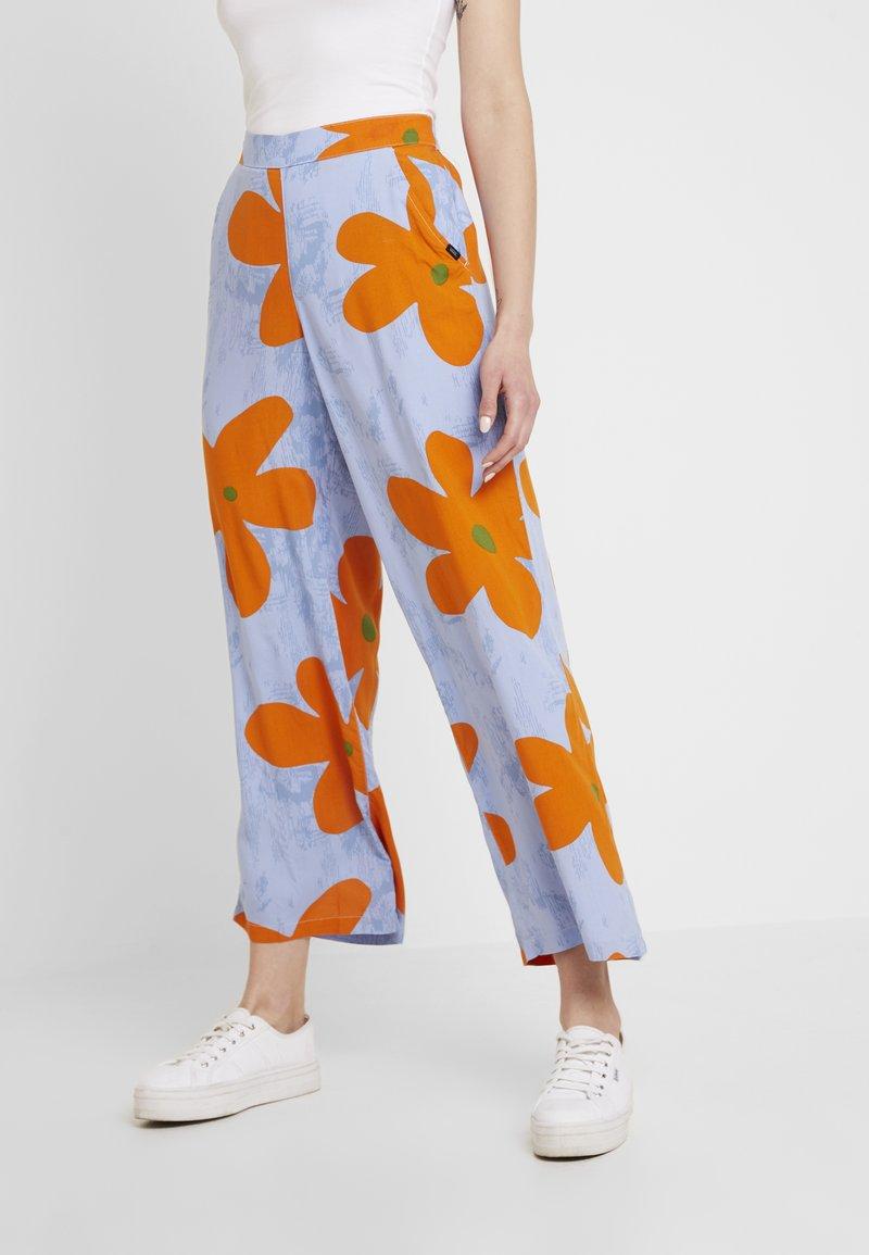 Vans - CAPSULE PANT - Pantalon classique - blue