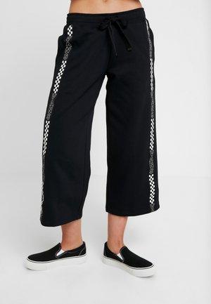 CHROMO PANT - Teplákové kalhoty - black