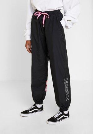 AFTER DARK PANT - Pantalon de survêtement - black