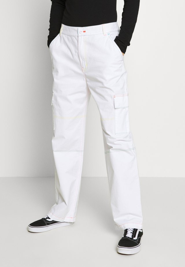 THREAD IT PANT - Pantalones - white