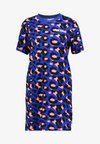 LEOPARD TEE DRESS - Sukienka z dżerseju - surf the web