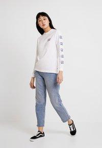 Vans - LOVE - Maglietta a manica lunga - white - 1