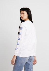 Vans - LOVE - Maglietta a manica lunga - white - 2