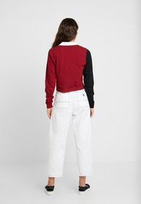 Vans - SUPERSPEEDEE - Poloskjorter - black/biking red - 2