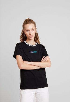 ZEBRA BOYFRIEND - T-shirt con stampa - black