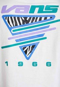 Vans - ZEBRA BOYFRIEND CROP - Longsleeve - white - 5