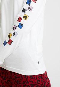 Vans - TANGLE - Long sleeved top - white - 5