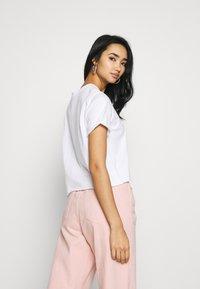 Vans - GREENHOUSE - T-shirts med print - white - 2