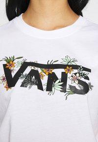 Vans - GREENHOUSE - T-shirts med print - white - 4
