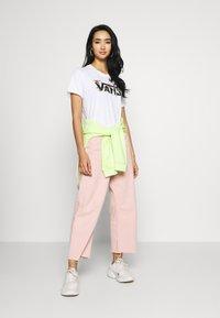 Vans - GREENHOUSE - T-shirts med print - white - 1