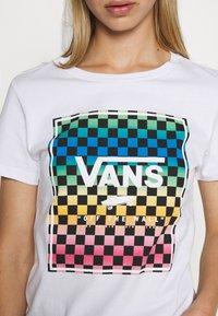 Vans - VINTAGE CHECK BOX - T-shirt con stampa - white - 5