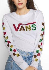 Vans - JUNGLE CREEK - Maglietta a manica lunga - white - 5