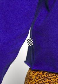 Vans - OVALOID - Maglietta a manica lunga - royal blue - 5