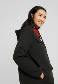 Vans - DRILL CHORE COAT - Parka - black - 4