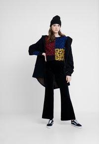 Vans - WYLD TANGLE CREW - Fleece jumper - multi-coloured - 1