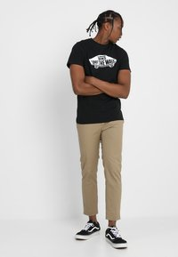 Vans - OTW - T-shirt print - black/white - 1