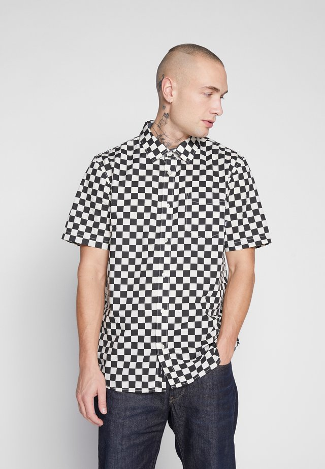 CYPRESS CHECKER - Camisa - black/white