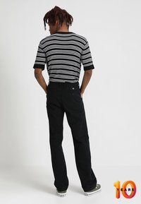 Vans - AUTHENTIC PRO - Chinos - black - 2