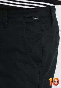 Vans - AUTHENTIC PRO - Chinos - black - 3