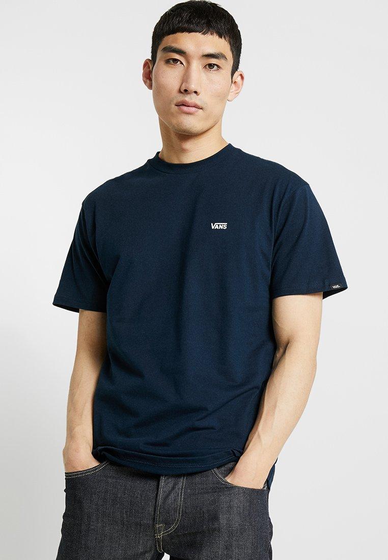 Vans - LEFT CHEST LOGO TEE - Camiseta básica - navy/white