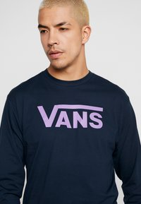Vans - CLASSIC FIT - Langarmshirt - navy/dewberry - 4