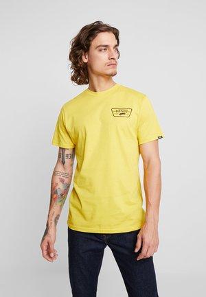 FULL PATCH BACK  - T-shirt print - sulphur/black