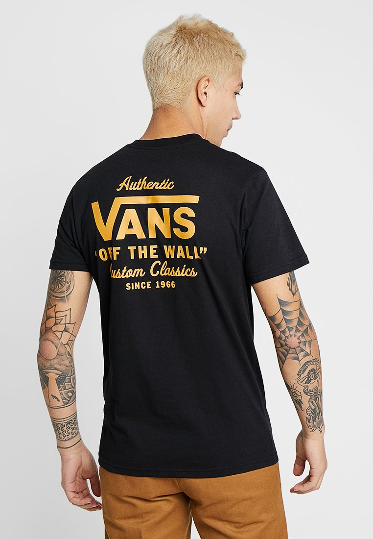 Vans - HOLDER STREET II - T-shirt med print - black/old gold