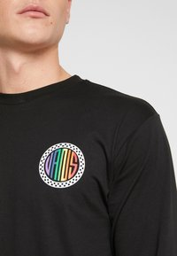 Vans - PRIDE CIRCLE  - Langarmshirt - black - 4