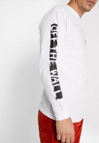 Vans - SCRATCHED VANS - T-shirt à manches longues - white - 4