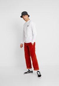 Vans - SCRATCHED VANS - T-shirt à manches longues - white - 1