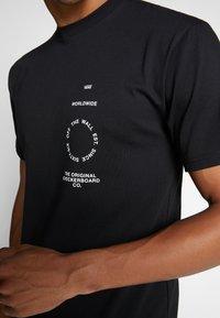 Vans - DISTORTION TYPE - T-shirt con stampa - black - 5