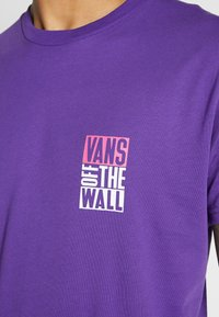 Vans - NEW STAX  - T-shirt con stampa - heliotrope - 5