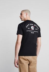Vans - BE MINE FOREVER - T-shirt con stampa - black - 2