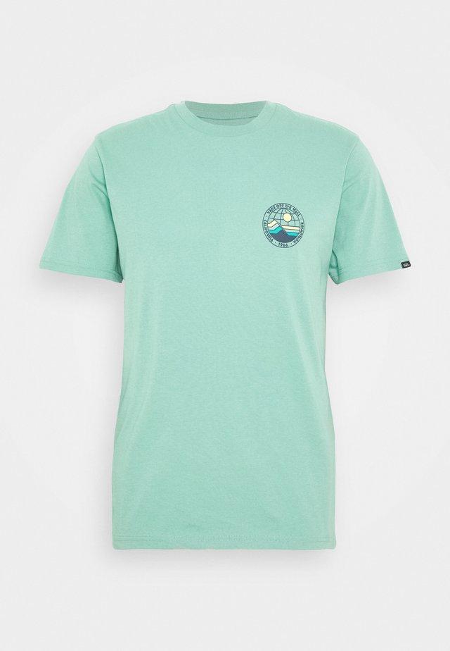 HIGH ELEVATION - T-shirt med print - canton