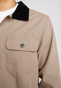 Vans - DRILL CHORE COAT - Tunn jacka - military khaki - 3