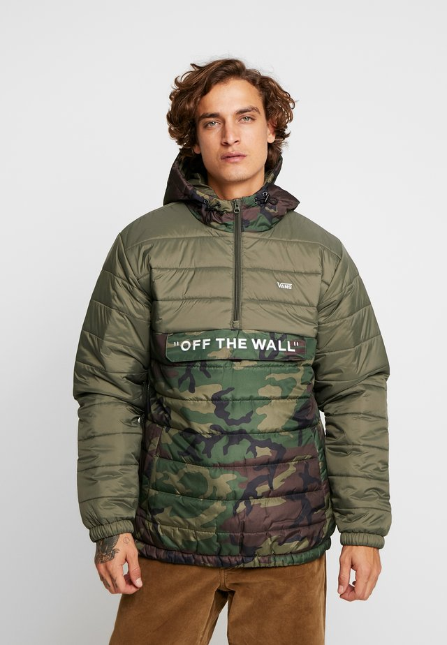 CARLON ANORAK PUFFER - Winterjas - camo/grape leaf