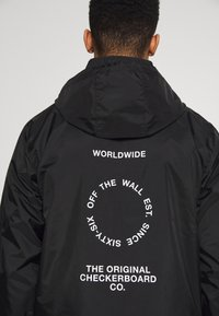 Vans - DISTORT TYPE ANORAK - Giacca a vento - black - 8