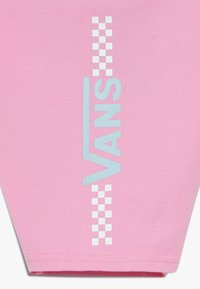 Vans - FUNNIER TIMES BIKE  - Shorts - fuchsia pink - 3