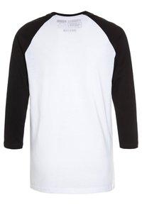 Vans - RAGLAN BOYS - Maglietta a manica lunga - white/black - 1