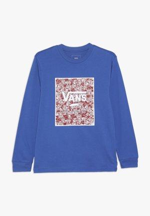 PRINT BOX BOYS - Long sleeved top - royal blue/racing red