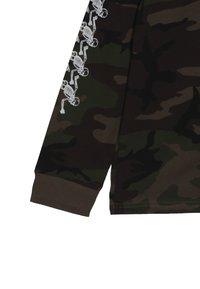 Vans - SKELISKATE BOYS - Long sleeved top - dark green - 2