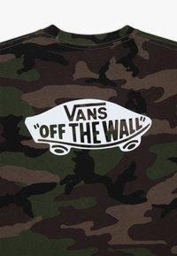 Vans - CLASSIC BOYS - T-shirt med print - dark green - 3